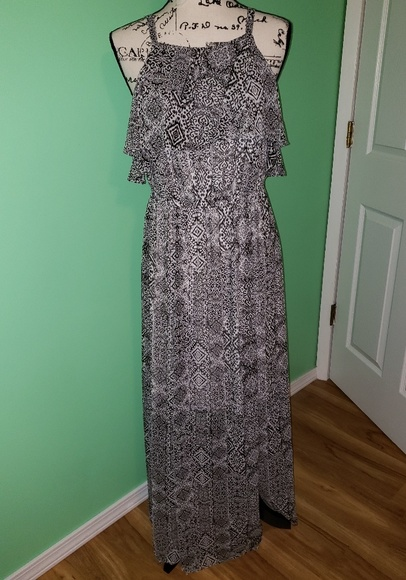 torrid Dresses & Skirts - Nwt Torrid Maxi Sundress size 00(Medium-Large) 10
